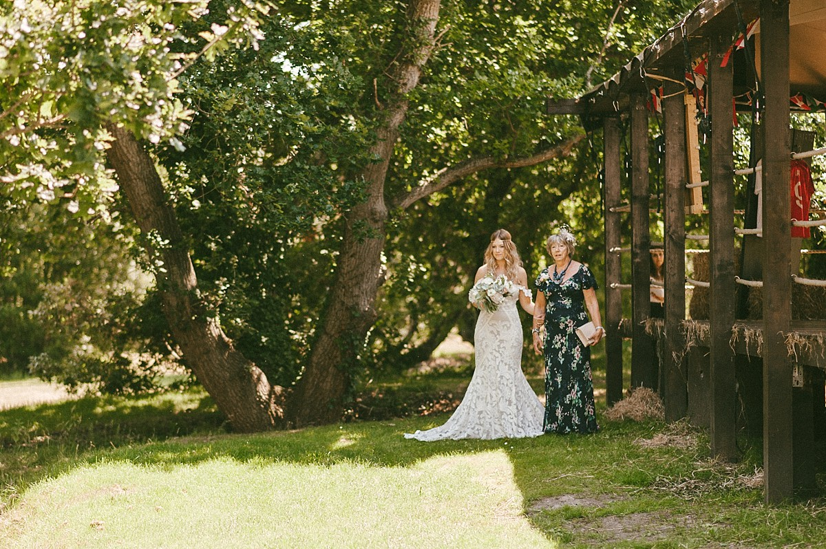 photo of bride with mum before ceremony at Tournerbury Woods Estate