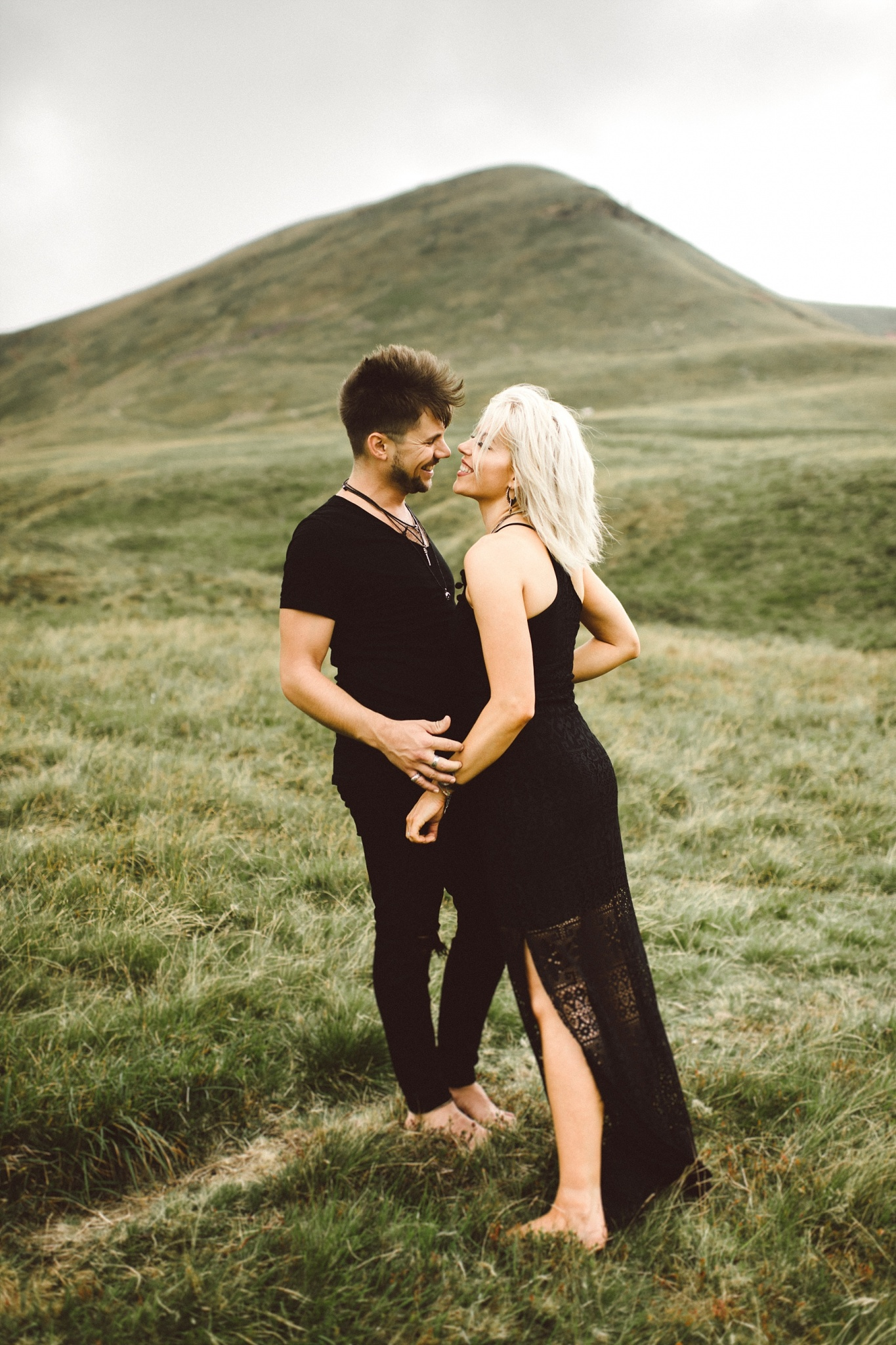 What to wear on an engagement shoot